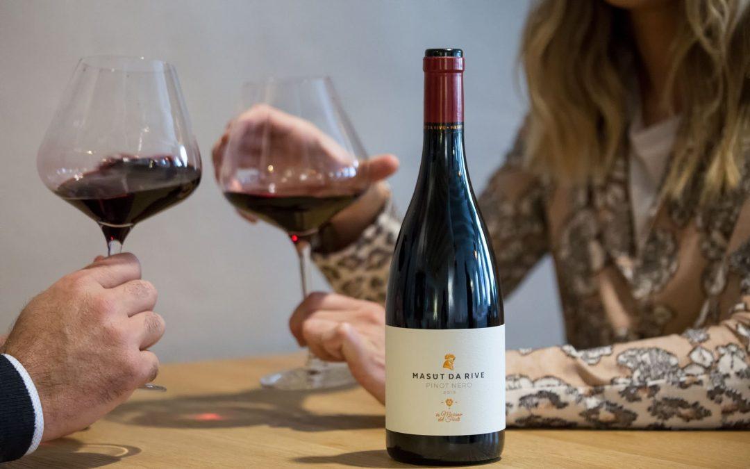 Come scegliere il vino al ristorante: 7 consigli per fare bella figura